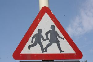 1209887_children_crossing_2.jpg