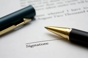 1221952_to_sign_a_contract_3.jpg