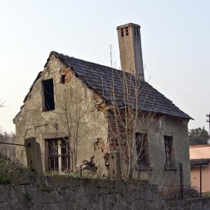 1242900_old_house_.jpg