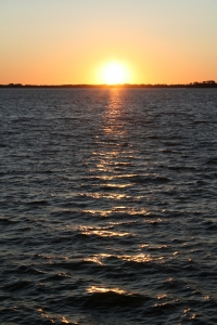 1358390_sunset_over_a_lake.jpg