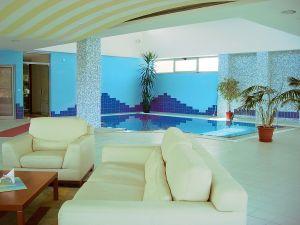 605771_swimming_pool.jpg