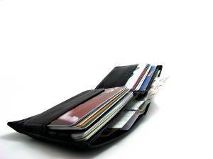 693081_black_wallet.jpg